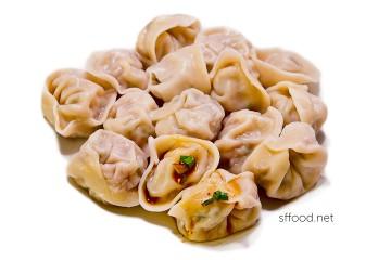 Boiled homemade mandoo (Korean dumplings)